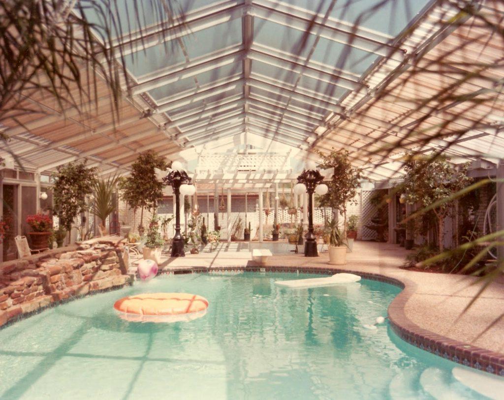 Bhuket-Pool Enclosure