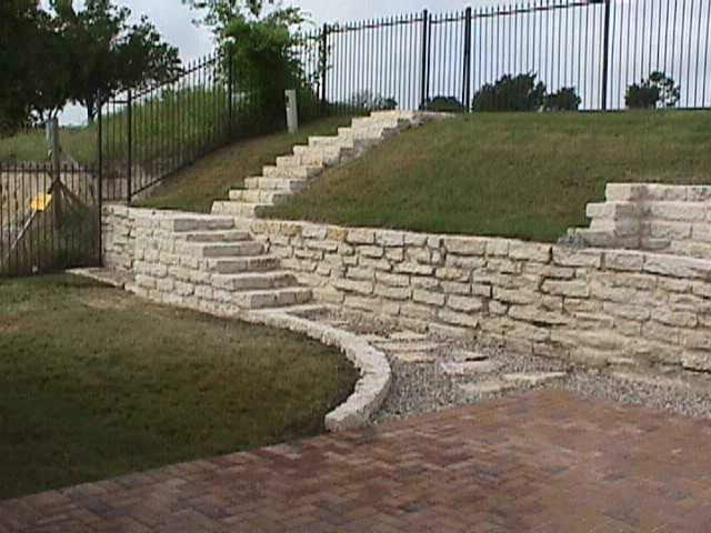 Hasey-Retaining wall